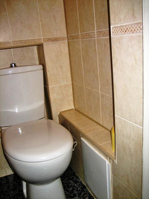 Как оформить туалет в квартире своими руками 14