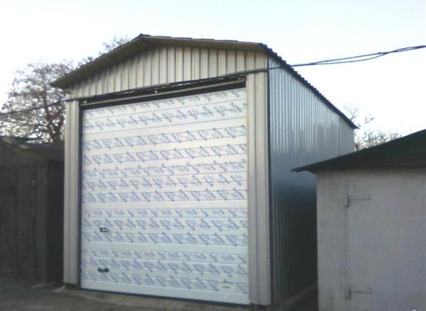 Строим гараж из сэндвич панелей своими руками