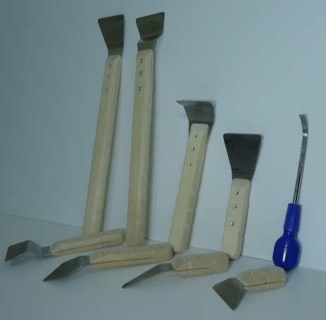 Как сделать шпатель для натяжных потолков своими руками